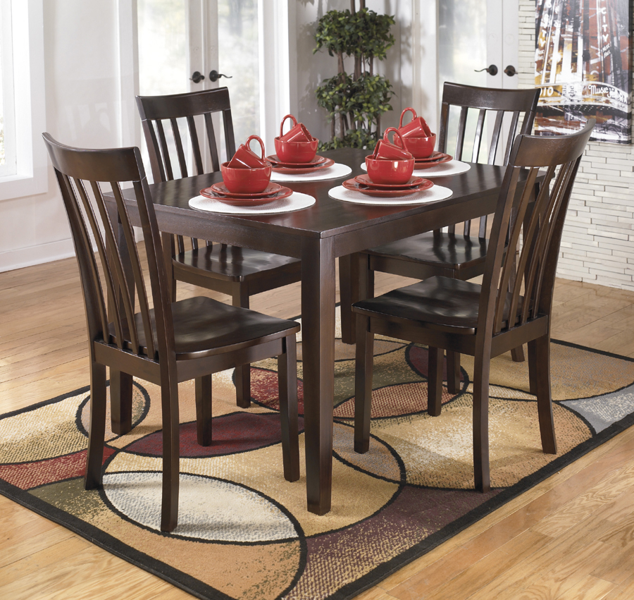 Ashley Furniture Hyland Dining Set 900 x 851