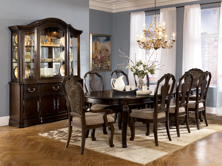 D613 Ashley Dining Room Sets