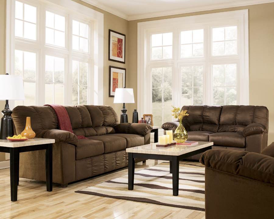 Liberty lagana furniture in meriden ct the dominator for Liberty lagana living room sets